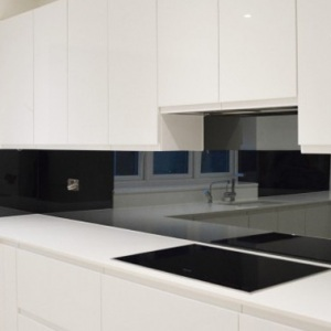 Mirror Splashbacks create space and a feature
